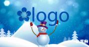 AE模板可爱小雪人举着logo滑着雪奔来的下雪动画